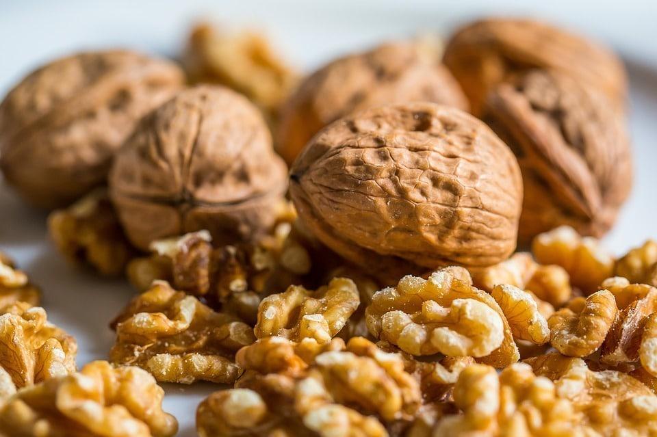 5 Beneficios de comer nueces todos los días - Ayuno